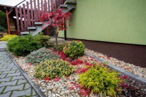Seasonal outdoor décor